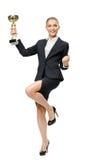 Ritratto integrale della donna di affari che tiene tazza Fotografia Stock Libera da Diritti