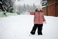 Ritratto integrale di inverno della ragazza adorabile del bambino Immagini Stock Libere da Diritti
