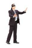 Ritratto integrale di un uomo d'affari bendato in vestito Fotografia Stock Libera da Diritti