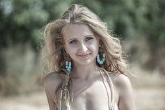 Ritratto luminoso della donna felice Immagini Stock Libere da Diritti