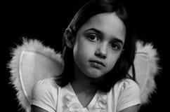Ritratto monocromatico di poco angelo fotografia stock libera da diritti