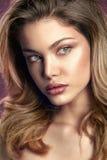 Ritratto naturale della donna di modo di bellezza Immagine Stock