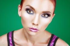 Ritratto rosso della donna di bellezza dei capelli Fotografie Stock Libere da Diritti