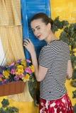 Ritratto rustico di una giovane donna Fotografie Stock Libere da Diritti