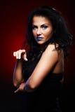 Ritratto scuro di giovane donna Fotografie Stock Libere da Diritti