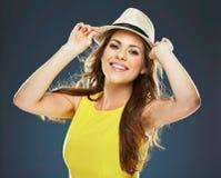 Ritratto sorridente della giovane donna Sorriso Toothy fotografia stock