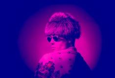 Ritratto teatrale, pelliccia del cappello di fotografia di moda fotografia stock libera da diritti