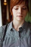 Ritratto vicino in su di giovane bella donna Fotografie Stock Libere da Diritti