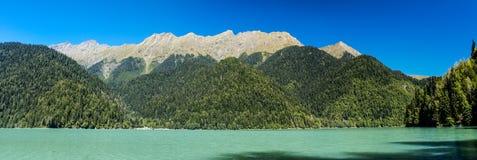 ritsa湖在阿布哈兹 免版税库存图片