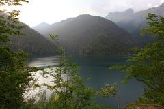 Ritsa See, Abchasien stockbilder