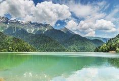 Ritsa sjö, Abchazien Fotografering för Bildbyråer