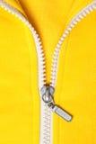 Ritssluiting op geel overhemd Royalty-vrije Stock Foto