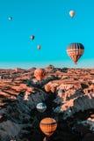 Ritt för ballong för varm luft i Cappadocia arkivbild