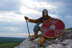 Ritter auf einem Felsen Stockfoto
