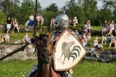 Ritter in der Rüstung auf dem Turnier Lizenzfreie Stockfotografie