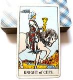 Ritter der Schalen Tarockkarte lizenzfreies stockfoto