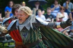 Ritter, die am Renaissance-Festival duellieren Lizenzfreies Stockfoto