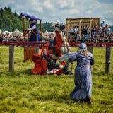 Ritter geklopft vom Sattel stockfotografie