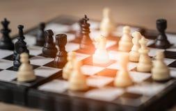 Ritter, Schach an Bord des Geschäftskonzeptes Stockfoto