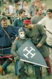 RITTER WEG, MOROZOVO, IM APRIL 2017: Festival der europäischen Mittelalter Mittelalterliches Turnier adelt in den Sturzhelmen und Stockfoto