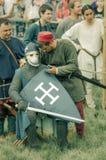 RITTER WEG, MOROZOVO, IM APRIL 2017: Festival der europäischen Mittelalter Mittelalterliches Turnier adelt in den Sturzhelmen und Stockfotos