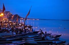 Ritual de Ganga Aarti en Varanasi Fotos de archivo libres de regalías
