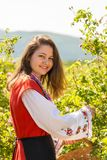 Ritual de la cosecha de Rose en pueblo búlgaro fotos de archivo
