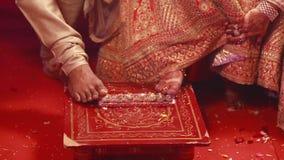 Ritual indio hindú de la ceremonia de boda almacen de metraje de vídeo