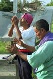 Ritual religioso de los sacerdotes del indio de Ixil del guatemalteco imágenes de archivo libres de regalías