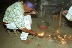 Rituale religioso del sacerdote dell'indiano di Ixil del guatemalteco Fotografia Stock
