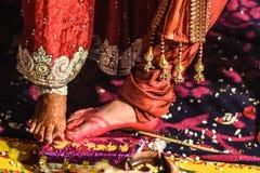 Ritualer i ett indiskt bröllop Arkivfoto