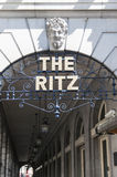 ritz гостиницы входа деталей Стоковое Изображение