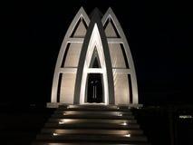 Ritz-Carlton Bali Beach Chapel på natten arkivfoton