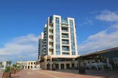 Ritz-Carlton Herzliya in Hertzlija-Jachthafen Lizenzfreie Stockfotos