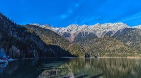 Ritz Lake i Abchazien Royaltyfria Foton