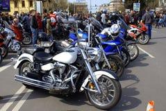 Riunione brillante dei cavalieri delle motociclette Immagini Stock