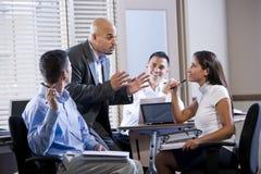 Riunione del gestore con di impiegato, dirigenti Immagini Stock Libere da Diritti