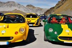 Riunione di Lotus Elise e paesaggio delle alpi Fotografia Stock Libera da Diritti