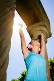 Riuscita donna di allenamento di forma fisica Immagini Stock