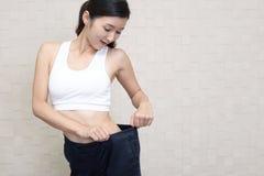 Riuscita donna sulla dieta Fotografie Stock Libere da Diritti