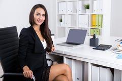 Riuscito agente immobiliare in ufficio Immagine Stock Libera da Diritti
