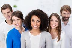 Riuscito gruppo multietnico motivato di affari Fotografia Stock