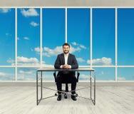 Riuscito uomo d'affari sorridente Immagine Stock Libera da Diritti