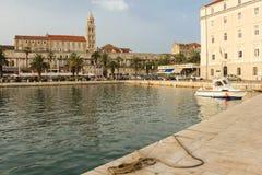 Riva散步和港口 已分解 克罗地亚 库存照片