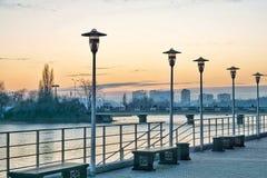 riva del fiume alla città krasnodar Fotografia Stock