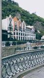 Riva del fiume Borjomi immagini stock