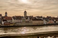 Riva del fiume del Danubio a Regensburg, Germania v1 Fotografie Stock