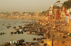 Riva del fiume di Varanasi Fotografie Stock Libere da Diritti