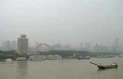 Riva del fiume di Yangtze nella città di Wuhan Fotografia Stock