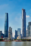 Riva del fiume moderna Canton Cina di vista della città Immagine Stock